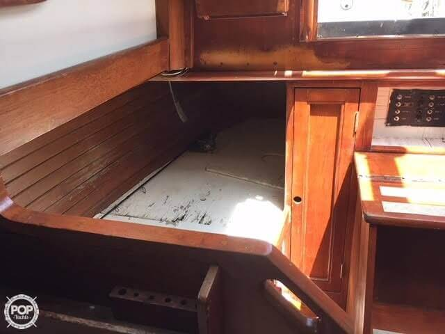 1977 Fuji boat for sale, model of the boat is Ketch 32 & Image # 15 of 28