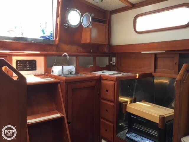1977 Fuji boat for sale, model of the boat is Ketch 32 & Image # 17 of 28