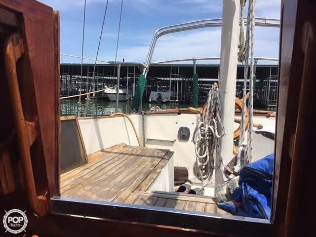 1977 Fuji boat for sale, model of the boat is Ketch 32 & Image # 18 of 28