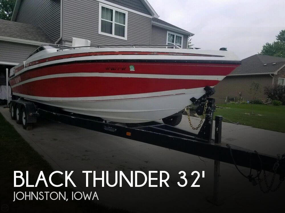 Used Boats For Sale in Des Moines, Iowa by owner | 1990 Donzi 32