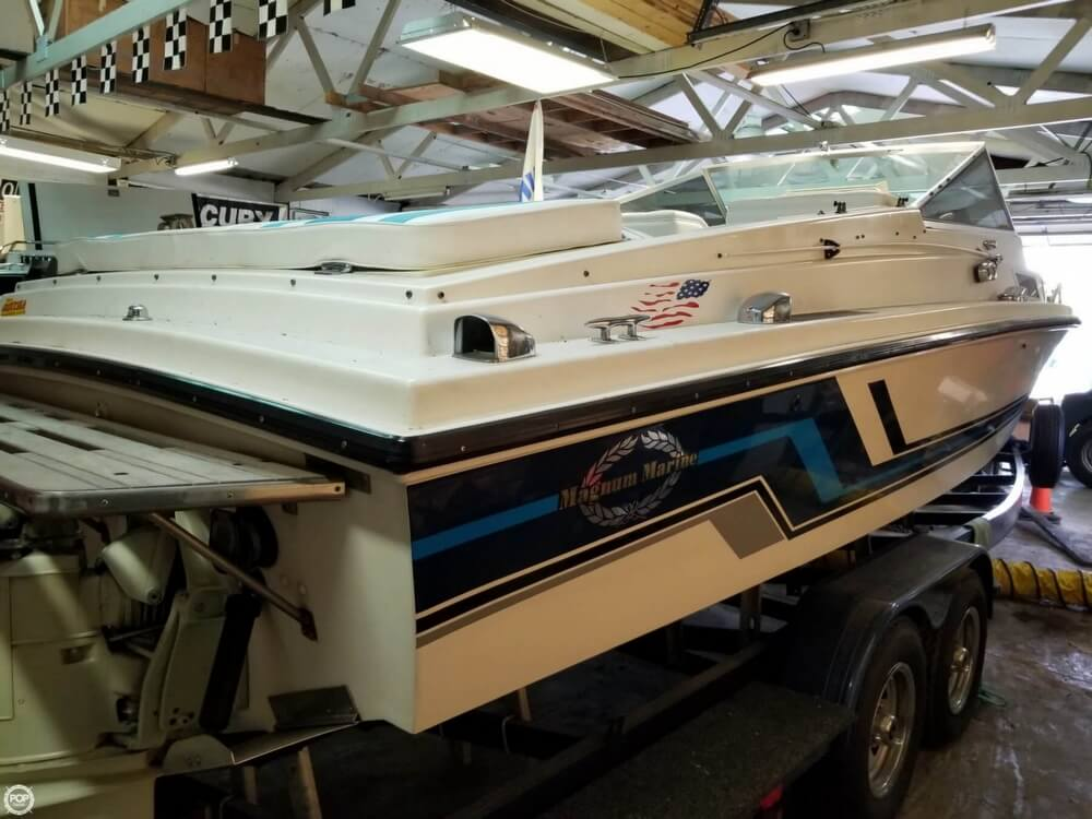 1971 Magnum Marine boat for sale, model of the boat is 27 Sports Sedan & Image # 35 of 40