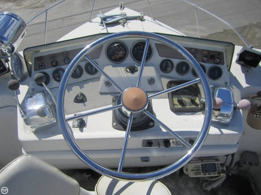 1979 Penn Yan boat for sale, model of the boat is 30 SF & Image # 6 of 40