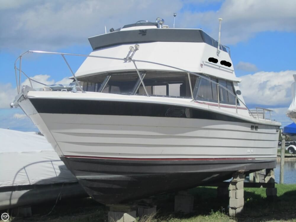 1979 Penn Yan boat for sale, model of the boat is 30 SF & Image # 13 of 40
