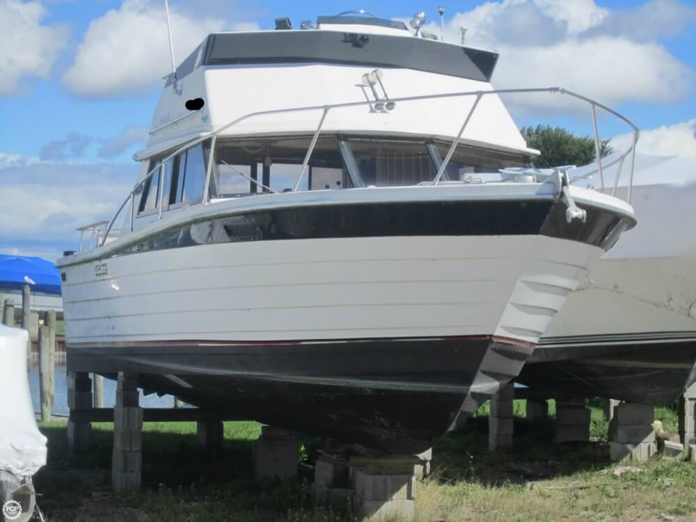 1979 Penn Yan boat for sale, model of the boat is 30 SF & Image # 15 of 40