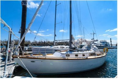 Cheoy Lee 36 Designed by: Luders, 36', for sale - $24,500