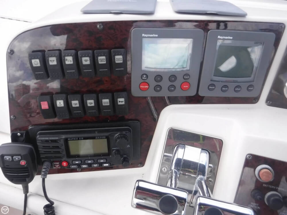 2006 Regal boat for sale, model of the boat is 3880 Sedan Bridge & Image # 28 of 40