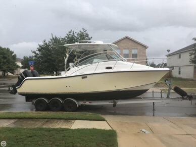 Mako 284 Express, 30', for sale - $63,400
