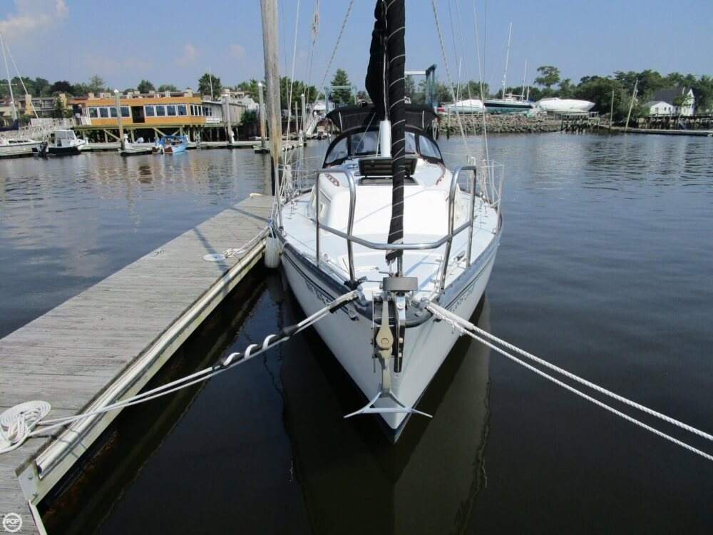 1981 Hunter boat for sale, model of the boat is 30 Cherubini & Image # 2 of 40