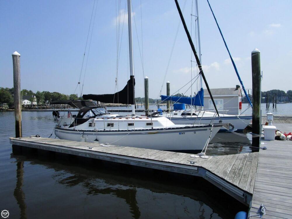 1981 Hunter boat for sale, model of the boat is 30 Cherubini & Image # 5 of 40