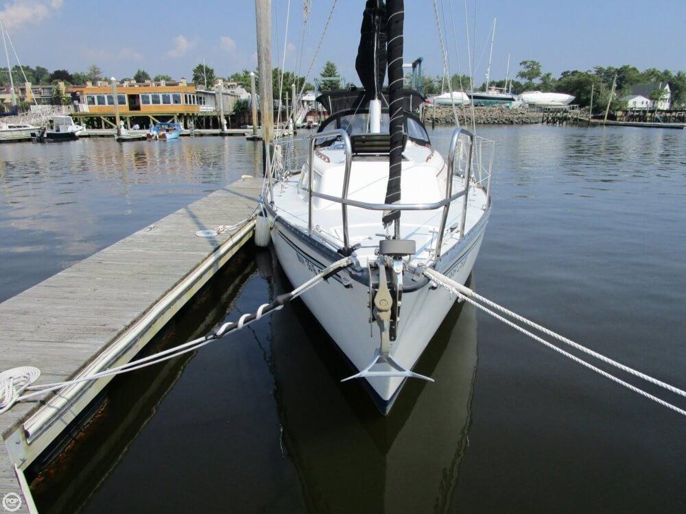 1981 Hunter boat for sale, model of the boat is 30 Cherubini & Image # 7 of 40