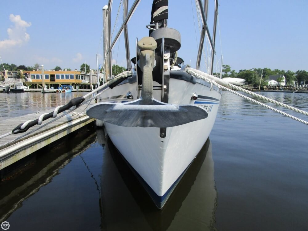 1981 Hunter boat for sale, model of the boat is 30 Cherubini & Image # 8 of 40