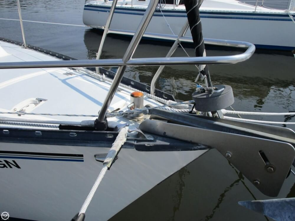 1981 Hunter boat for sale, model of the boat is 30 Cherubini & Image # 12 of 40