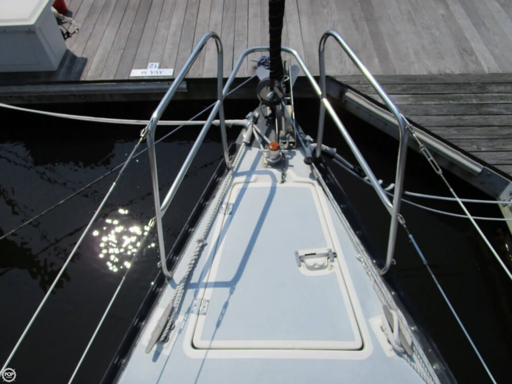1981 Hunter boat for sale, model of the boat is 30 Cherubini & Image # 16 of 40