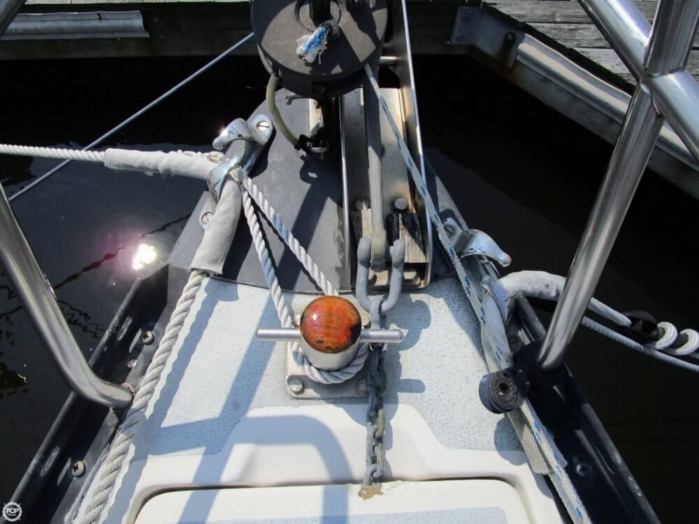1981 Hunter boat for sale, model of the boat is 30 Cherubini & Image # 18 of 40