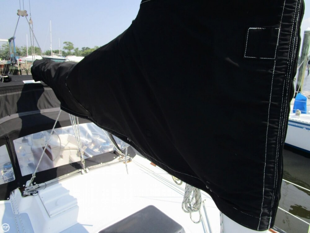 1981 Hunter boat for sale, model of the boat is 30 Cherubini & Image # 30 of 40