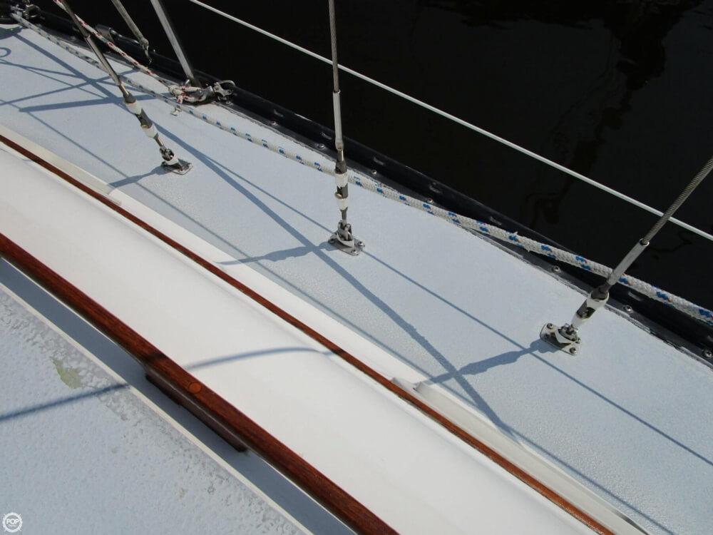 1981 Hunter boat for sale, model of the boat is 30 Cherubini & Image # 32 of 40