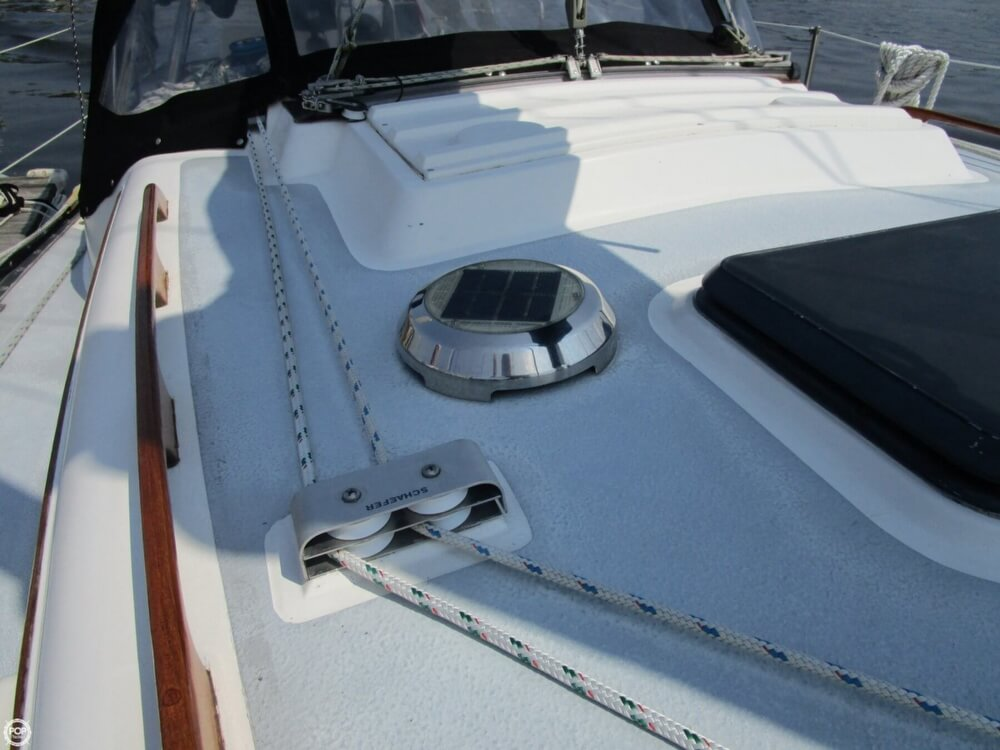 1981 Hunter boat for sale, model of the boat is 30 Cherubini & Image # 34 of 40