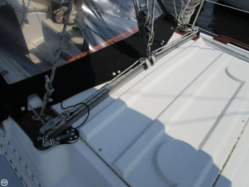 1981 Hunter boat for sale, model of the boat is 30 Cherubini & Image # 37 of 40
