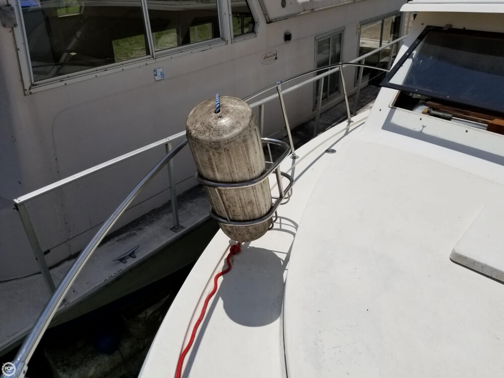 1976 Trojan boat for sale, model of the boat is 28 Sedan & Image # 14 of 40