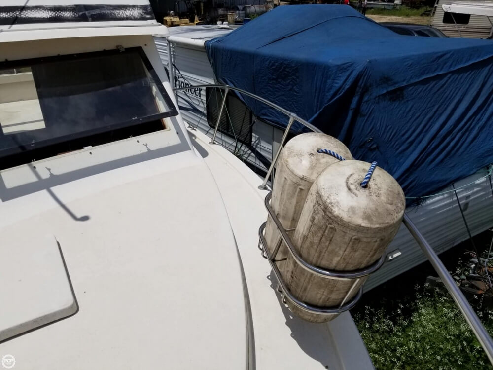 1976 Trojan boat for sale, model of the boat is 28 Sedan & Image # 15 of 40
