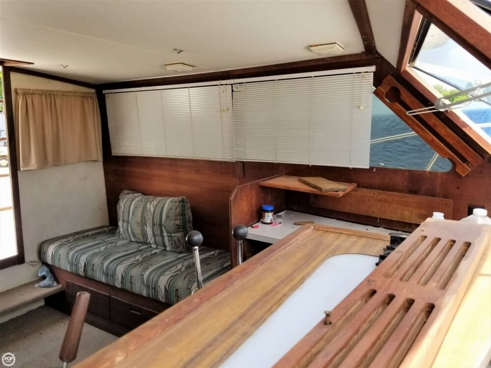 1976 Trojan boat for sale, model of the boat is 28 Sedan & Image # 19 of 40