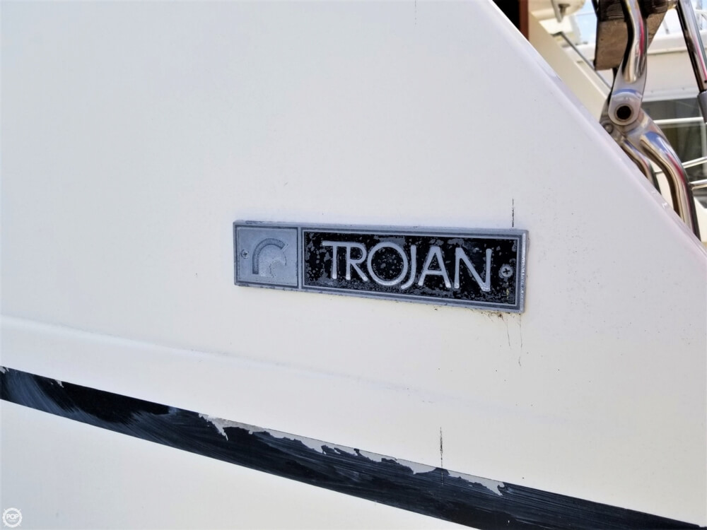 1976 Trojan boat for sale, model of the boat is 28 Sedan & Image # 25 of 40