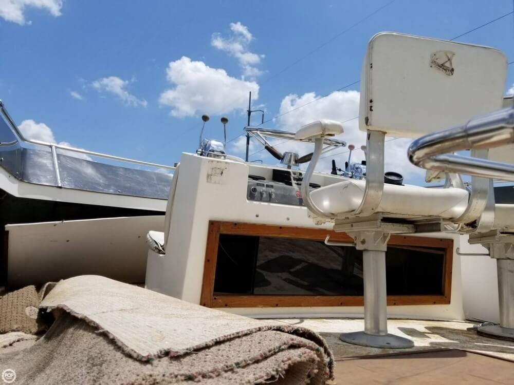 1976 Trojan boat for sale, model of the boat is 28 Sedan & Image # 9 of 40