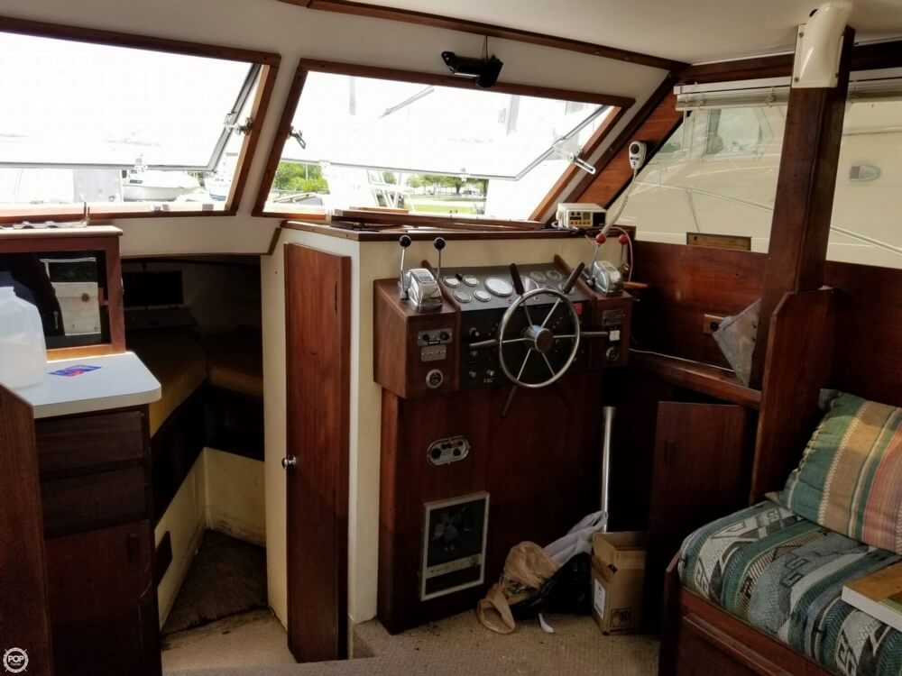 1976 Trojan boat for sale, model of the boat is 28 Sedan & Image # 26 of 40