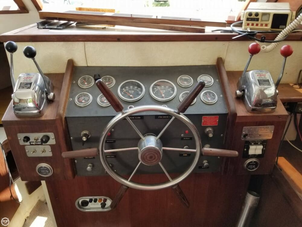 1976 Trojan boat for sale, model of the boat is 28 Sedan & Image # 34 of 40