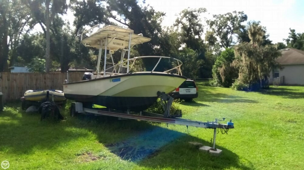 1979 Boston Whaler boat for sale, model of the boat is Outrage V-20 & Image # 6 of 40