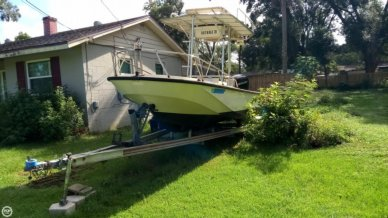 Boston Whaler Outrage V-20, 20, for sale - $15,999