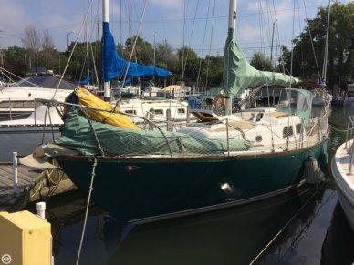 Pearson 32 Vanguard, 32', for sale - $12,000