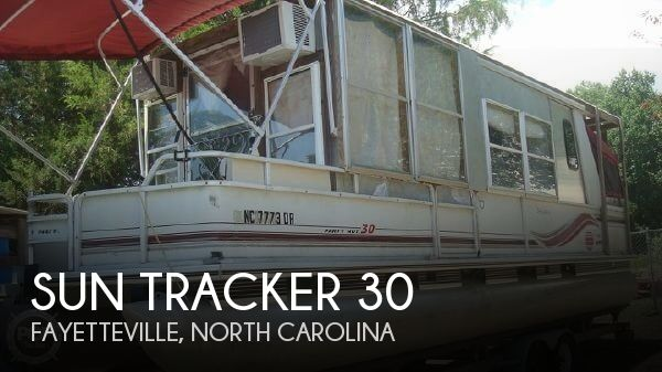 Used Houseboats For Sale in North Carolina by owner | 1997 Sun Tracker 30