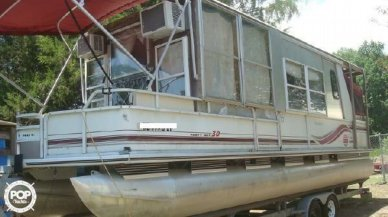 Sun Tracker Party Hut 30, 30, for sale