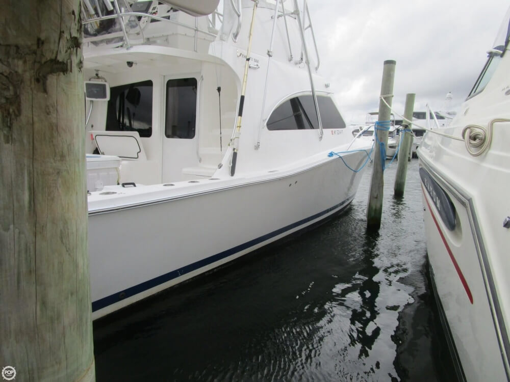 2007 Luhrs boat for sale, model of the boat is Convertible 36 & Image # 9 of 40