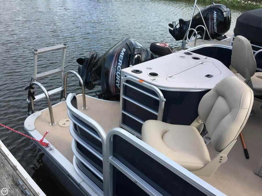 2015 Berkshire Pontoons boat for sale, model of the boat is CTS 212A & Image # 14 of 41