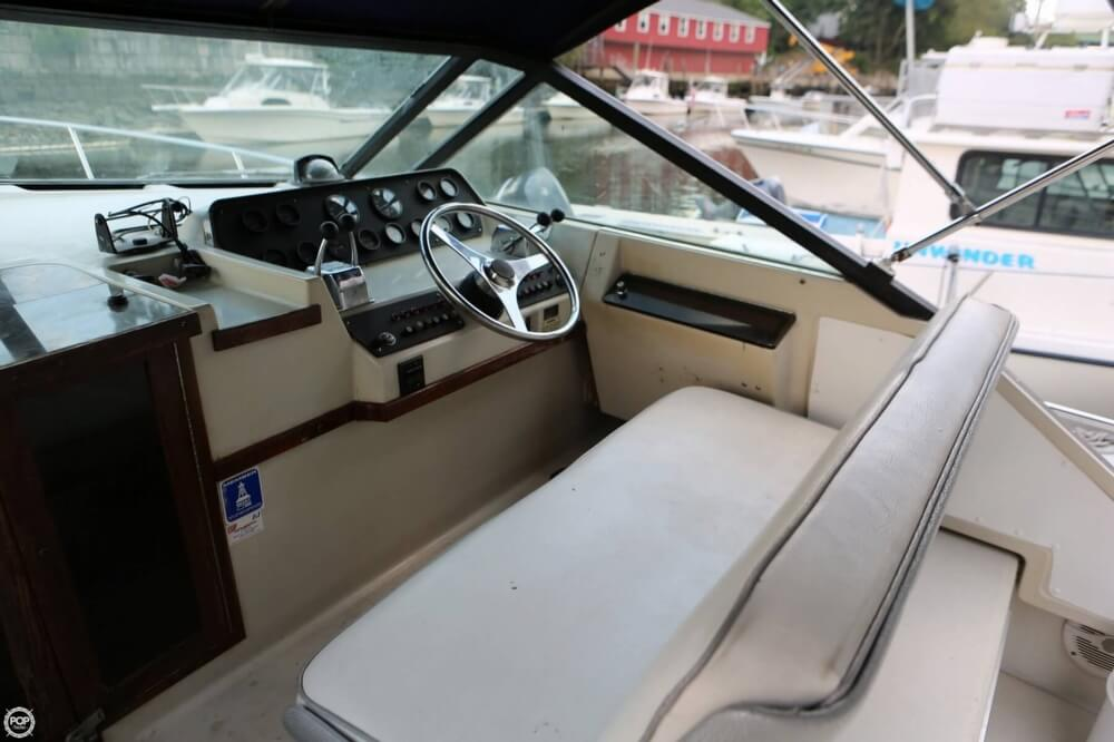 1986 Tiara Yachts boat for sale, model of the boat is 2700 Continental & Image # 5 of 40