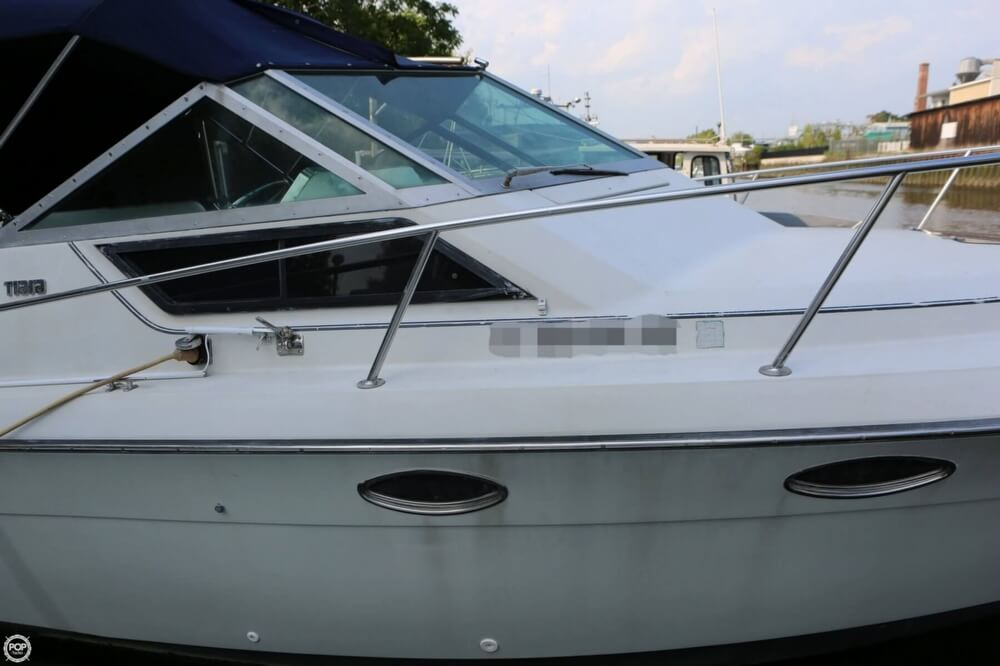 1986 Tiara Yachts boat for sale, model of the boat is 2700 Continental & Image # 12 of 40