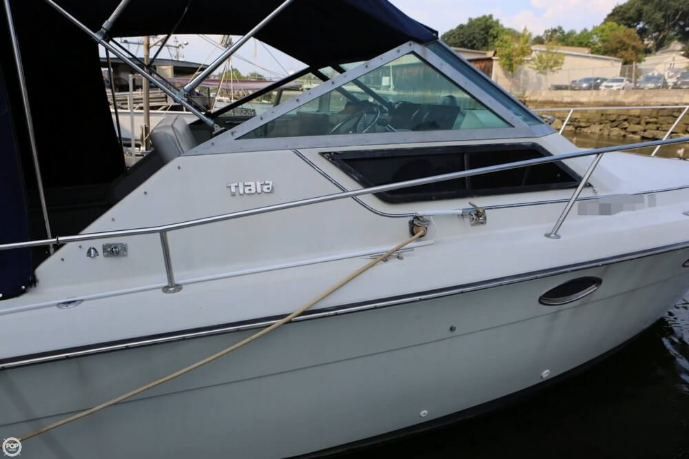 1986 Tiara Yachts boat for sale, model of the boat is 2700 Continental & Image # 17 of 40