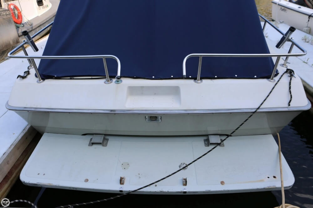 1986 Tiara Yachts boat for sale, model of the boat is 2700 Continental & Image # 19 of 40
