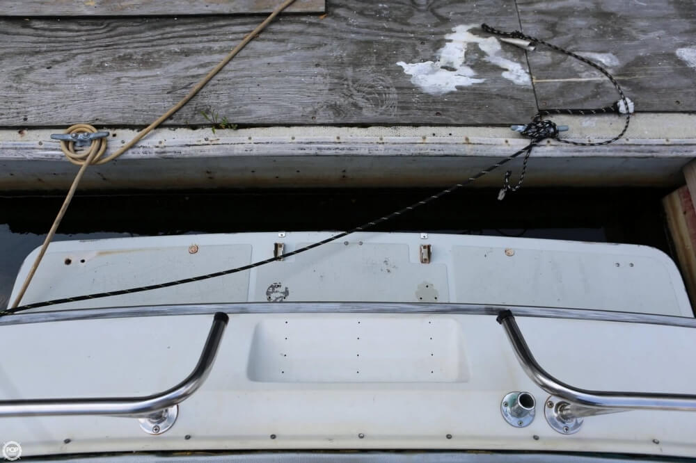 1986 Tiara Yachts boat for sale, model of the boat is 2700 Continental & Image # 20 of 40