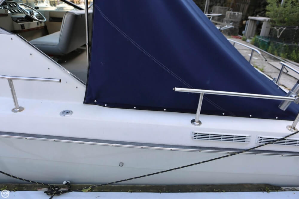 1986 Tiara Yachts boat for sale, model of the boat is 2700 Continental & Image # 22 of 40
