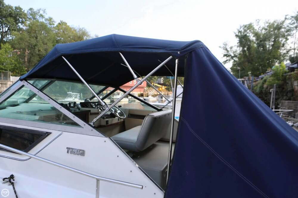 1986 Tiara Yachts boat for sale, model of the boat is 2700 Continental & Image # 24 of 40