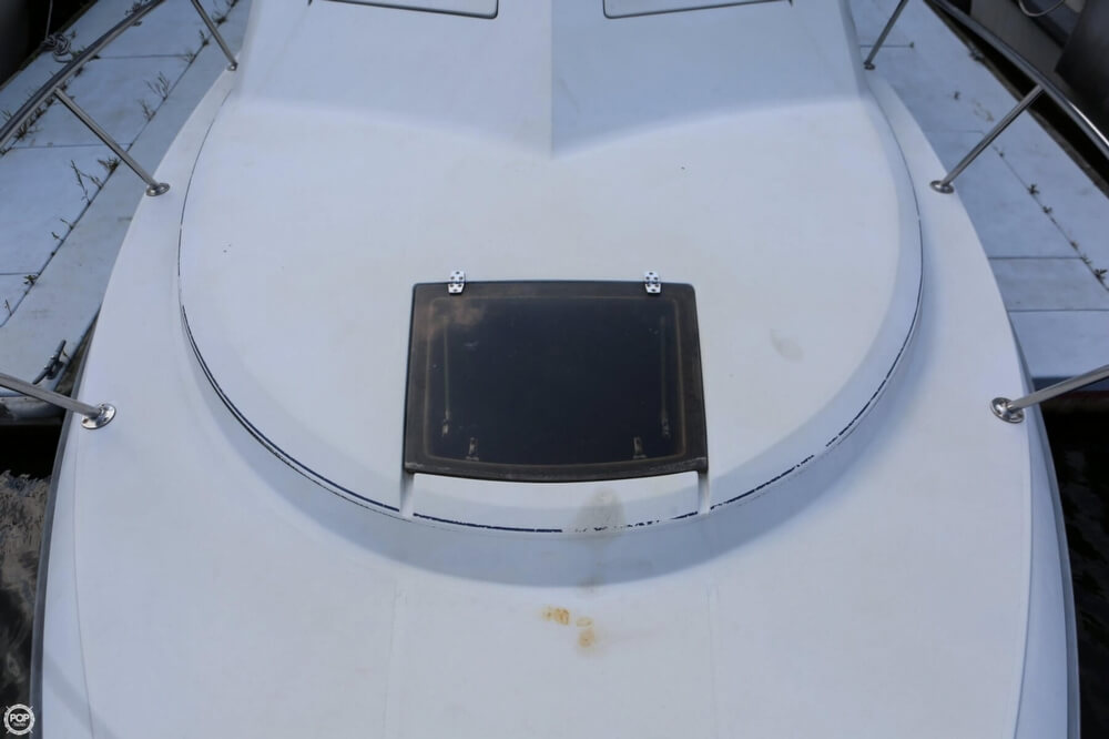 1986 Tiara Yachts boat for sale, model of the boat is 2700 Continental & Image # 34 of 40