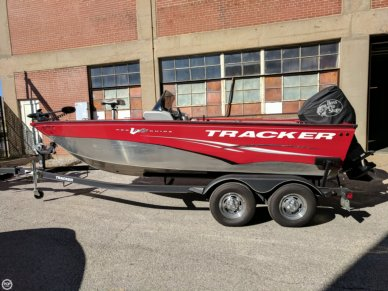 Tracker Pro Guide V175 SC, 17', for sale