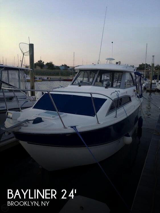 Used Bayliner 24 Boats For Sale by owner | 2007 Bayliner Discovrey 246