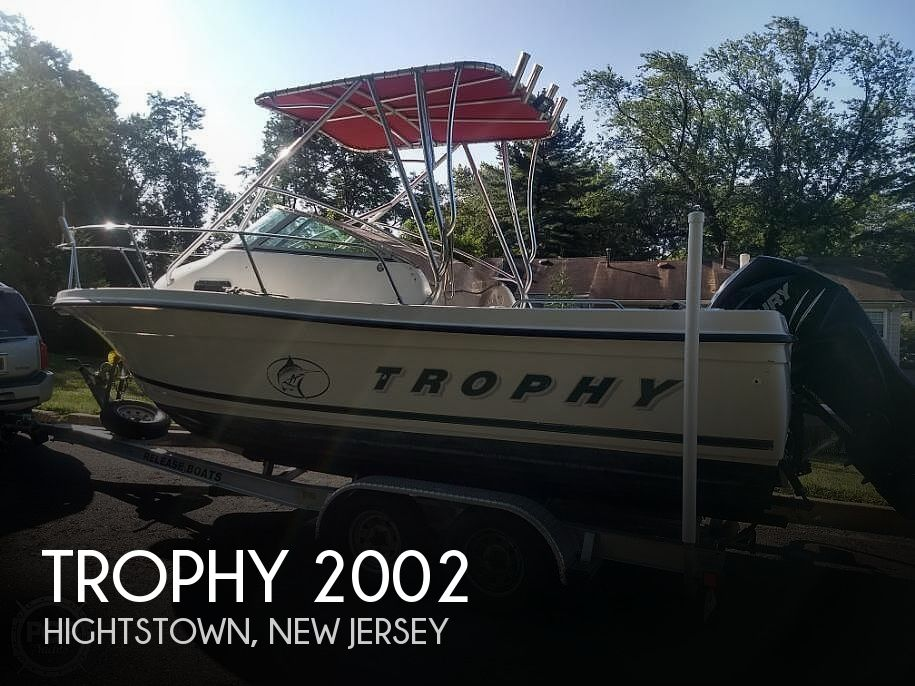 2001 Trophy boat for sale, model of the boat is 2002 Walk Around & Image # 1 of 40