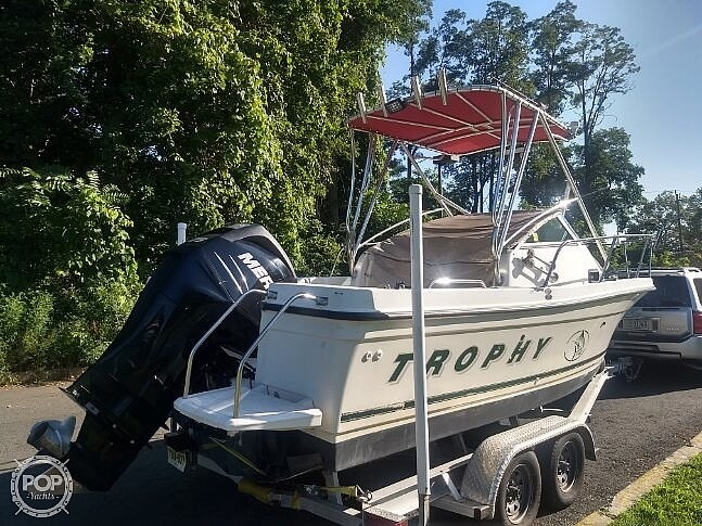 2001 Trophy boat for sale, model of the boat is 2002 Walk Around & Image # 3 of 40
