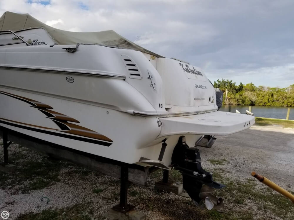 1999 Sea Ray boat for sale, model of the boat is 270 Sundancer & Image # 22 of 40