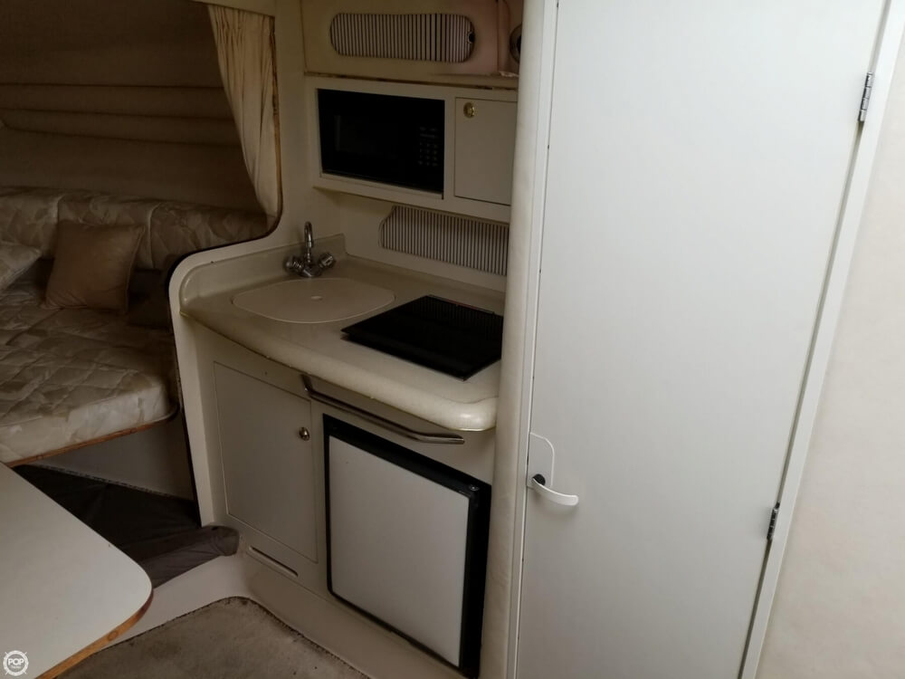 1999 Sea Ray boat for sale, model of the boat is 270 Sundancer & Image # 32 of 40